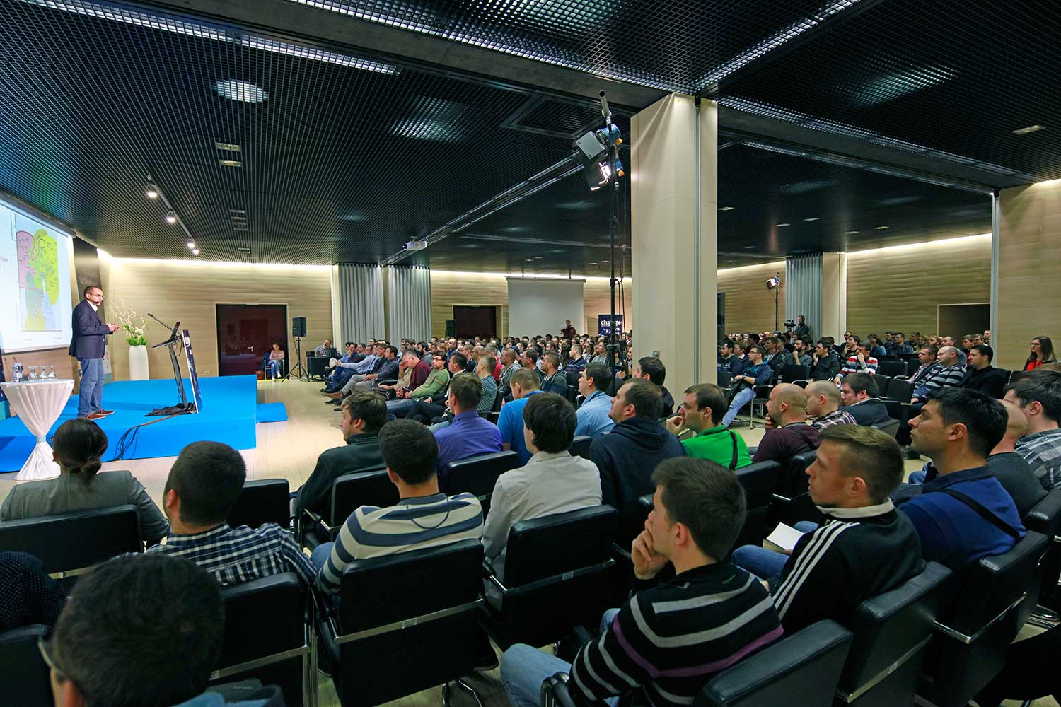 http://2016.changecon.com/wp-content/uploads/2016/10/Nenad_Bakic_audience.jpg